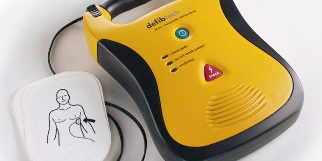 Defibrillatori: i Comuni iniziano ad attrezzarsi