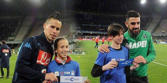 """La """"Junior TIM Cup"""" a Napoli tra selfie e calci al pallone"""